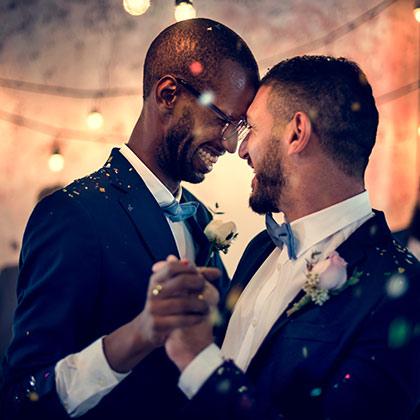 Bröllop - par som dansar